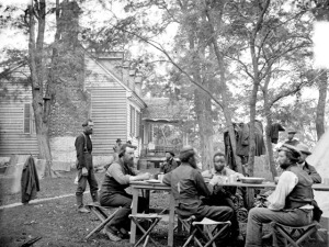 Follar-House-at-Cumberland-Landing-Virginia.-Army-of-the-Potomac-Secret-Service-Men._thumb