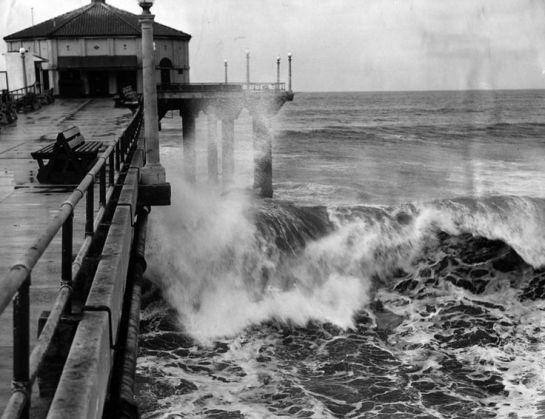 Old Manhattan Beach pier storm surf