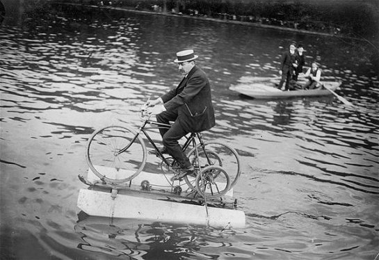 The-amphibocycle-water-bicycle-on-the-river-Seine-Asnières-France-1909