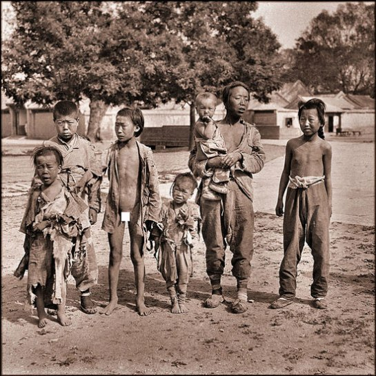 Beggars, Beihai Park [c1917-1919] Sydney D. Gamble