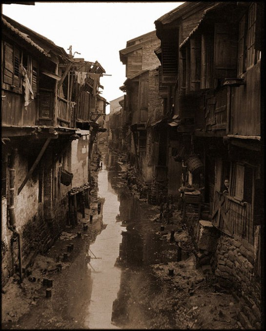 china-old-photo-canalInterior Canal, Canton, China [c1917-1919] Sidney D. Gamble